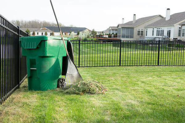 How Recycling Lawn Waste Will Improve Your Landscape